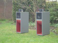 Full-range in back-loaded horn Pro Audio Speakers, Horn Speakers, Sound Speaker, Diy Speakers, Hifi Audio, Best Hifi, Woofer Speaker, Floor Standing Speakers, Speaker Box Design