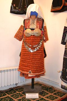 Traditional festive costume of Prilep and Bitola Valley (Southern Macedonia). Early 20th century.
