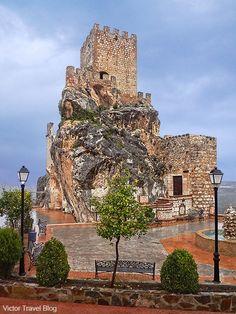 Ruins of Zuheros Castle – Castillo Palacio de Zuheros. Spain. www.victortravelblog.com/2013/10/07/inexpensive-holiday-to-spain-cordoba-seville/