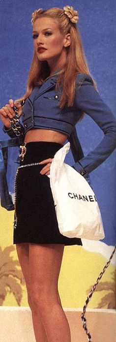 Karen Mulder 1995 summer chanel
