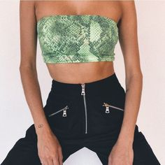 we love fashion Fashion Pants, Fasion, Fashion Outfits, Womens Fashion, Fashion Trends, Summer Outfits, Cute Outfits, Ootd, Going Out Outfits