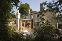 Church Lane : Classic style houses by Designscape Architects Ltd