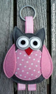 Felt owl … - Crafts All Over Fabric Crafts, Sewing Crafts, Sewing Projects, Felt Owls, Felt Animals, Owl Crafts, Kids Crafts, Owl Patterns, Felt Decorations