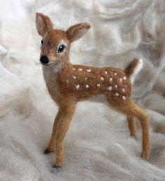 Needle Felted Deer Fawn White Tailed Wool door ClaudiaMarieFelt