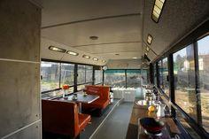 La cabine sur roues du Nord-Ouest Pacifique Steven Selby s'est octroyé un budget de moins de 3000 euros pour transformer un vieux bus scolaire du Nord-Ouest Pacifique, aux Etats-Unis, en une cabine cosy avec du bois récupéré pour les murs, … Continue reading →