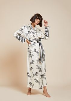 The Olivia von Halle Classic Silk Full-Length Robe is back in this season's Zebedee print featuring our bestselling zebras. Fashion Line, Love Fashion, Silk Pajamas, Pyjamas, Pijamas Women, Olivia Von Halle, Kimono Outfit, Bridal Robes, Business Dresses
