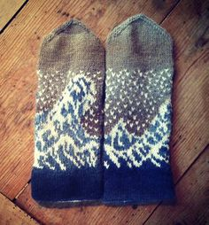Knitted Water mittens! Follow the link to $6.00 Ravelry pattern