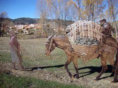 Llegamos a Valdemeca, en el corazón del Parque Natural de la Sierra de Cuenca, un curioso mundo de esculturas envueltas en el paisaje nos sorprenden y emocionan.  Un lugar mágico donde te costará adivinar, como en las mejores novelas, si lo que ves es realidad o ficción.