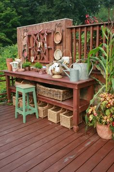 25 Cool DIY Garden Potting Table Ideas:  Add to side of Garden House for some outdoor potting space.