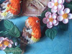 Картина панно рисунок День рождения Бумагопластика Квиллинг В саду Бумага Бумага гофрированная Бумажные полосы Проволока фото 4