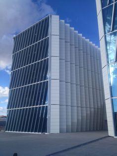 Judicatura Durango / Fachada ventilada con panel fenólico HPL Fundermax