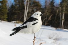 A sweet snow bunting felt ornament pattern.