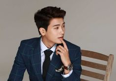 Park Hyung Sik Speaks Up on Rumors That He Is a Chaebol