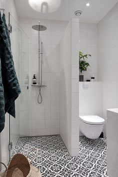 Fresh and Cool Small Bathroom Remodel and Decor Ideas (33)  #bathroomremodeling