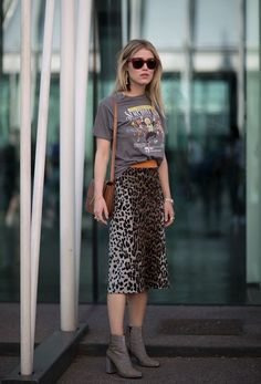 T-shirt and leopard pencil skirt.