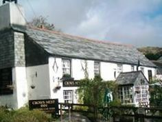 A Century inn in the hamlet of Crows Nest on the Eas. Most Beautiful Pictures, Cool Pictures, Places In Cornwall, Engine House, Tavistock, Crow's Nest, Truro, Dartmoor, Places Of Interest