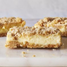 Mom's Cheesecake Cookie Bars Lemon Dessert Recipes, Köstliche Desserts, Sweet Recipes, Delicious Desserts, Yummy Recipes, Recipies, Fancy Desserts, Frozen Desserts, Detox Recipes