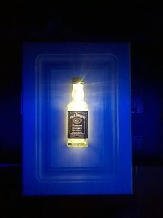 Quadro Jack Daniel's com iluminação própria a Led 110 Volts e varia conforme Iluminação do ambiente. R$ 69,99. Candle Sconces, Led, Whiskey, Wall Lights, Candles, Lighting, Home Decor, Frames, Environment