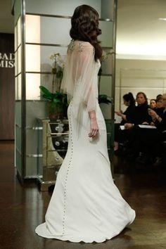 Je craque pour le dos de cette robe, très glamour tout en restant doux et romantique ! - Badgley Mischka automne 2013