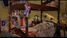 The boys' room in the Little House. The bed is gorgeous and I love the themes and colors! Stuart Little, Hollywood Homes, New Room, Set Design, Kids Rooms, Bunk Beds, Townhouse, Tiny House, Living Rooms
