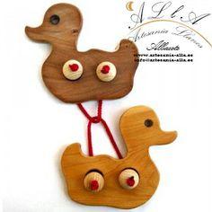 Juego de ingenio. Rompecabezas patos. Debes separarlos. Precio: 8,10 € www.artesania-alla.es