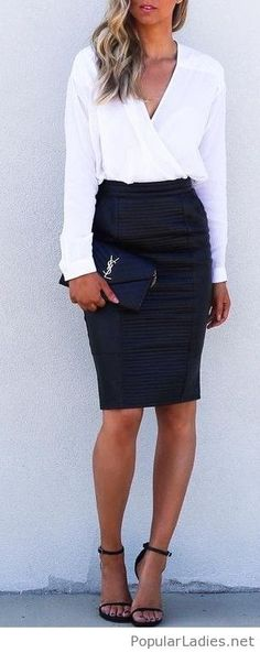 leather-black-skirt-white-shirt-and-sandals