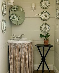 Sink skirts*small bathroom*retro
