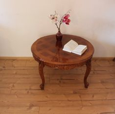Beautiful old Chippendale wooden table/coffee table with beautiful carvings massive With age-related signs of use e. Table, Furniture, Home Decor, Vintage Table, Round Wood Table, Marquetry, Playroom Table, Decoration Home, Room Decor