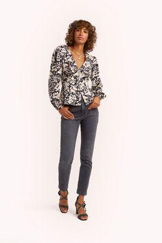 REBECCA MINKOFF Cindy Top. #rebeccaminkoff #cloth Black Cream, Cute Tops, Fashion Outfits, Fashion Trends, Rebecca Minkoff, Fashion Forward, Denim Jeans, Blouse, Sleeves