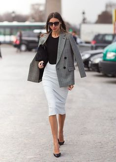 14 Black and White Interview Outfits to Land the Job via Brit   Co