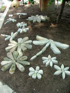 Stone Flowers Garden Art - pretty cool idea!