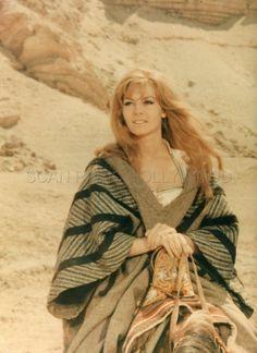 MICHELE MERCIER MERVEILLEUSE ANGELIQUE 1965 PHOTO ORIGINAL #3 | DVD, cinéma, Objets de collection, Photos | eBay!