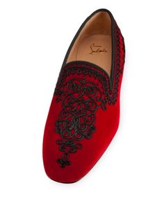Christian Louboutin OFF! Regilla ♔ ~ Christian Louboutin for the impeccably dressed gentleman Cl Shoes, Me Too Shoes, Shoe Boots, Mocassins Luxe, Loafer Shoes, Loafers Men, Christian Louboutin Outlet, Christian Shoes, Mens Fashion Shoes