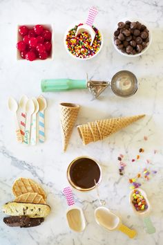 """this is the sweetest idea..... """"sunday sundaes""""! hubby would love this, too. :)"""
