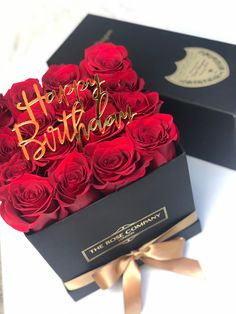 Happy Birthday Greetings Friends, Happy Birthday For Her, Happy Birthday Messages, Birthday Cards, Venus Roses, Luxury Flowers, Happy Anniversary, Belle Photo, Birthdays