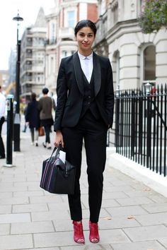 Wardrobe must-have - business costume: Street Style From London Fashion Week