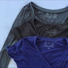 Threads 4 Thoughts Lot Threads 4 Thoughts  Lot of 3 t shirts  Size • XL 1 long sleeve 2 Short sleeve - 2 are round neck 1 is V neck Condition • all three in good condition some small areas starting to pill Tops Tees - Short Sleeve