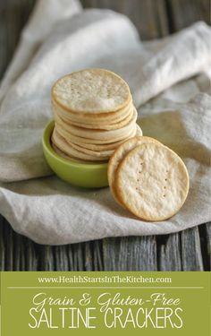 Keto Tortilla Discover Grain Free Saltine Crackers made with Cassava Flour Homemade Grain & Gluten-Free Saltine Crackers made with Cassava Flour {primal friendly} Gluten Free Crackers, Gluten Free Snacks, Foods With Gluten, Gluten Free Baking, Gluten Free Saltine Cracker Recipe, Vegan Crackers, Healthy Baking, Cassava Recipe, Cassava Flour Recipes