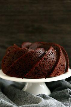 Suklainen mielettömän mehevä kahvikakku - Suklaapossu Treat Yourself, Good Food, Food And Drink, Pie, Ice Cream, Pudding, Sweets, Chocolate, Baking