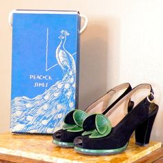 Vintage Shoes - These heels are SOLD to Anna and is on layaway. Down payment has been received. Do not purchase unless you are Anna, thank you! Peep Toe Platform Heels w Original Box, Green 1940s Shoes, Retro Shoes, Vintage Shoes, Vintage Accessories, Vintage Jewelry, Vintage Outfits, Fashion Accessories, Vintage Clothing, 1940s Fashion