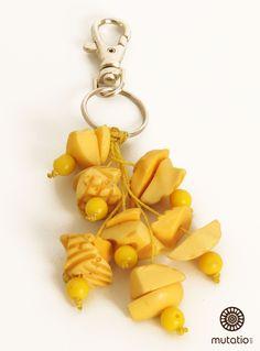 #chaveiropersonalizado #chaveiro #chaveirodiferente #acessorios http://www.elo7.com.br/chaveiro-amarelo/dp/4DA4C8