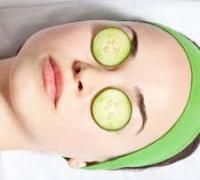 With all the stress that accompanies wedding preparations, brides and grooms are bound to be sleep deprived, as well as prone to skipping a healthy meal or two. But you don't want that getting in the way of a healthy glow on the big day with dark circles around your eyes