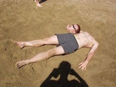 Ahahaha...Funny beach picture