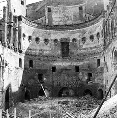 Zerstörtes Odeon in München, 1944 Timeline Classics/Timeline Images #Luftangriff #Bombadierung #Destruction #Bombing #Munich #Schutt