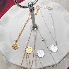 https://kywi-jewelry.nl/files/11935/webshopartikelen/2093403/kettingen-amore-love-3.jpg