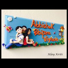 Name plate idea Diy Home Crafts, Clay Crafts, Diy Craft Projects, Crafts For Kids, Projects To Try, Diy Clay, Easter Crafts, Wooden Name Plates, Door Name Plates