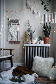 cozy bohemian holiday decorations with Urban Outfitters home, rustic home decor, cozy space, boho style, bedroom decor, fall decorations