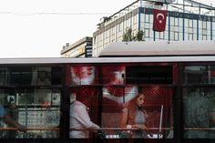 Un tribunal turc a relâché dimanche soir un homme qui a reconnu avoir agressé une jeune femme à bord d'un bus d'Istanbul parce qu'elle portait un short...
