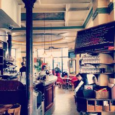 Les Funambules café - Classy and Parisian
