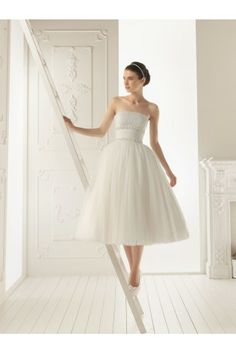 Tulle Strapless Ball Gown Style 2014 Wedding Dress with Tea-Length Pleated Skirt
